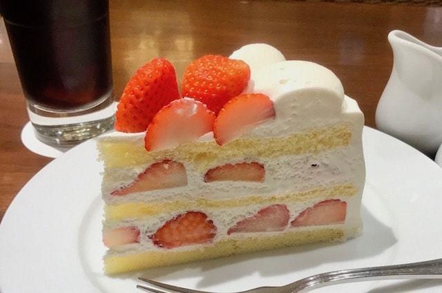 harbs-夏いちごのケーキ